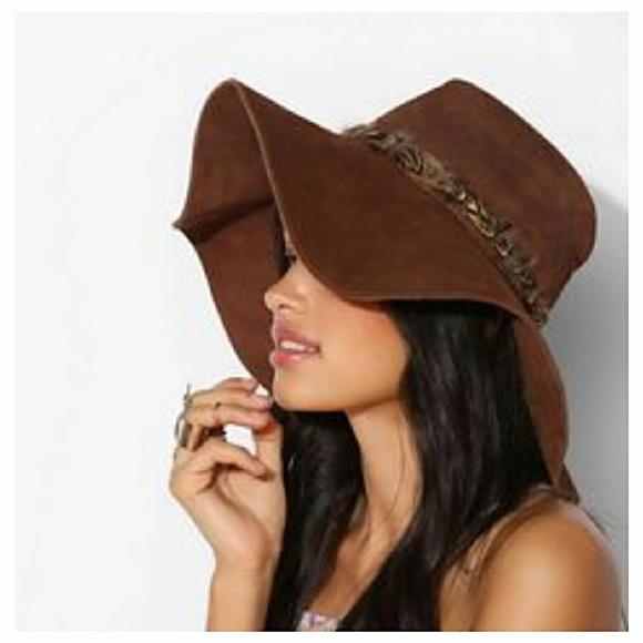 Vintage 70 s Floppy Suede Hippie Hat. M 5b423e7745c8b384710d80fd. Other  Accessories ... 0fb46a11d3d8